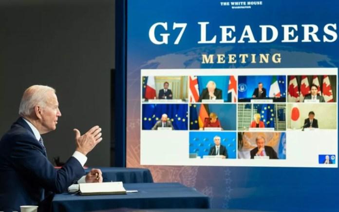O presidente dos EUA, Joe Biden, participa de reunião virtual do G7, na terça-feira (24), sobre retirada de cidadãos do Afeganistão — Foto: Reprodução/Twitter/WhiteHouse