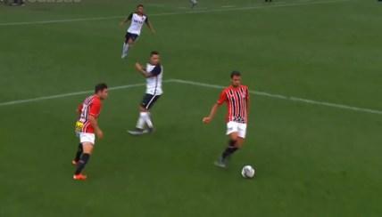 Lucão ficou marcado por uma falha pelo São Paulo contra o Corinthians — Foto: Reprodução SporTV