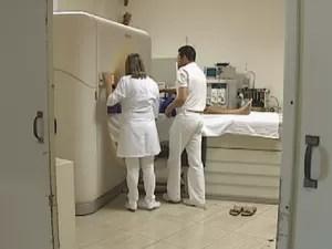Exames, como de ressonância magnética, são afetados com quedas de energia (Foto: Reprodução/TV TEM)