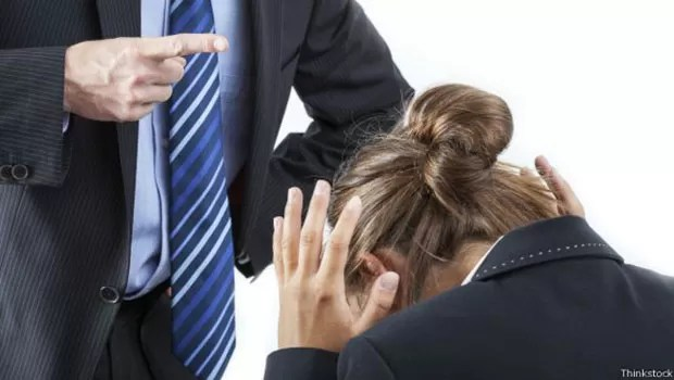 Pesquisa indica que assédio é comum em empresas brasileiras, mas apenas uma minoria o denuncia (Foto: Thinkstock)