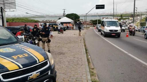 Objetivo é prevenir os acidentes de trânsito em razão da grande circulação de veículos por causa do feriado da Independência (Foto: PRF/Divulgação)