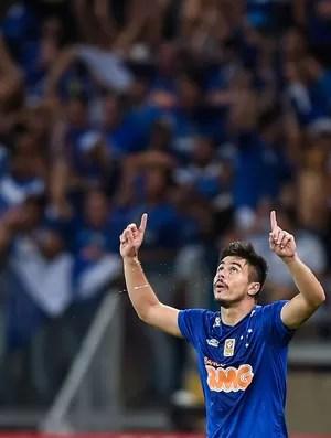 Willian gol Cruzeiro (Foto: Igor Coelho / Ag. Estado)