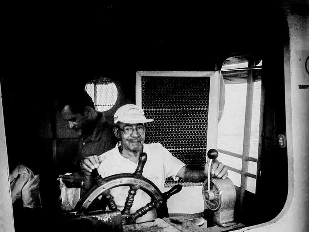 Foto de barqueiro da Exposição Travessia (Foto: Lizandra Martins/ Arquivo pessoal)