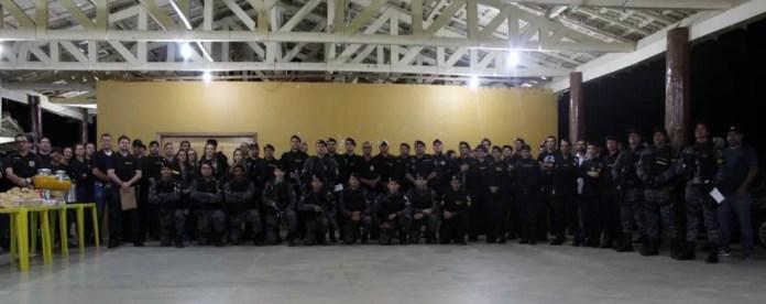 Mais de 100 policiais participaram da operação em Espigão — Foto: PM/Divulgação