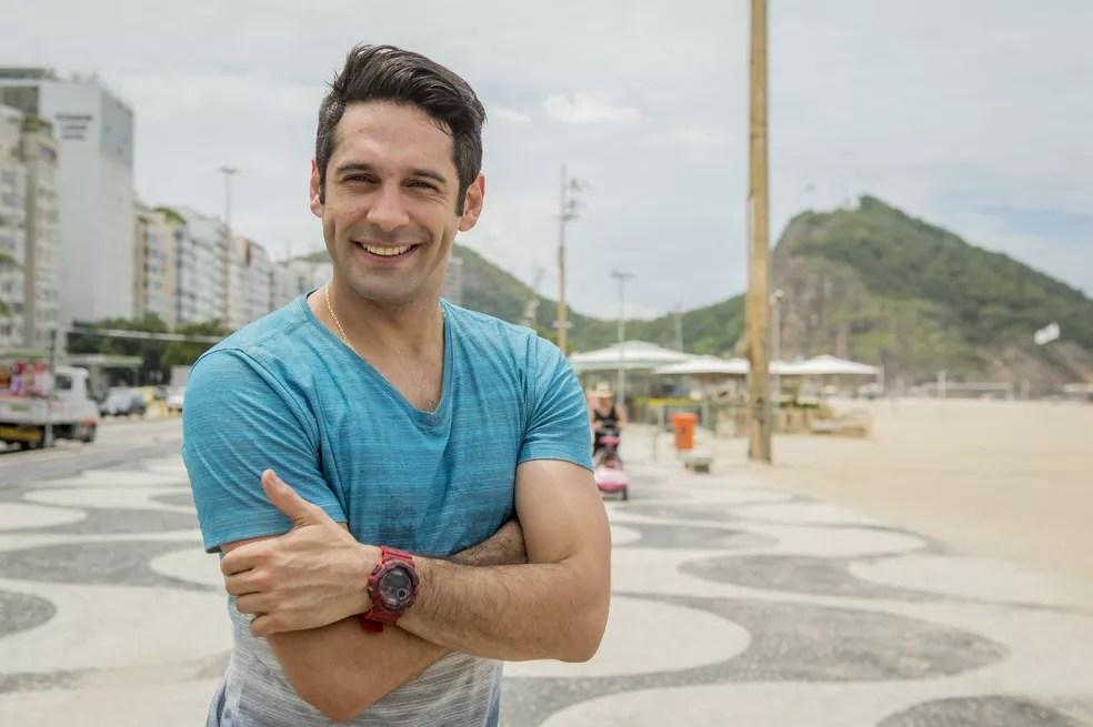 Apaixonado por Sandra Helena, Agnaldo é capaz de tudo para ver a amada feliz (Foto: Globo/João Cotta)