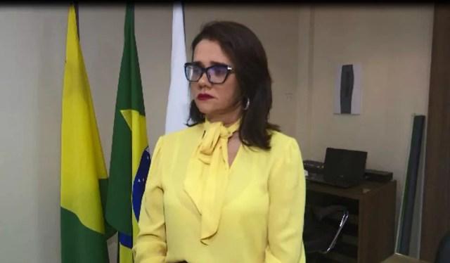 Defensora Flávia do Nascimento explicou detalhes da recomendação feita ao Estado e município  — Foto: Reprodução/Rede Amazônica Acre