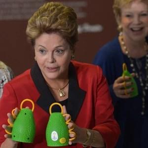 Dilma abre exposição que mostra caxirola, o instrumento da Copa (Wilson Dias/ABr)