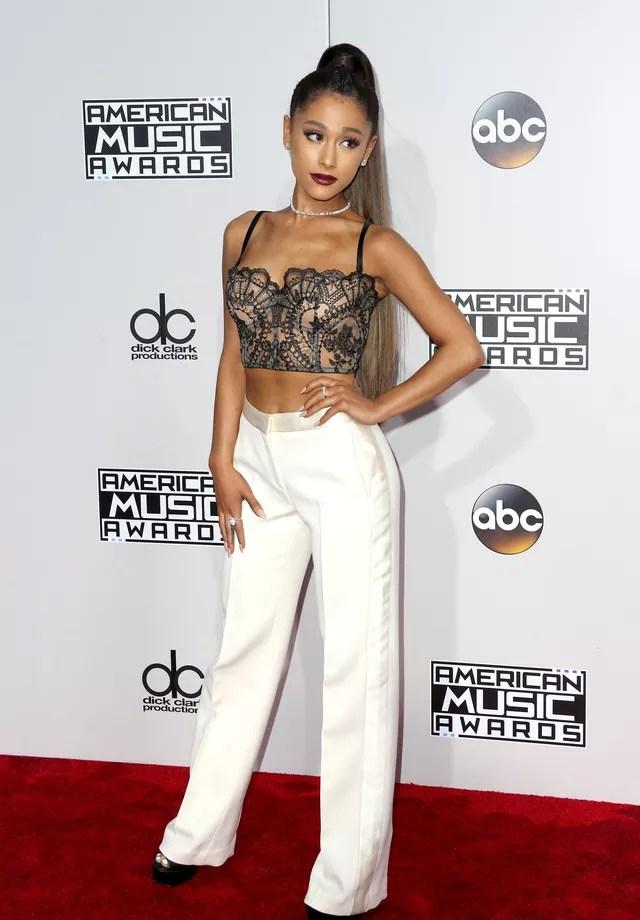 Ariana Grande usa Alexander McQueen (Foto: Getty Images)
