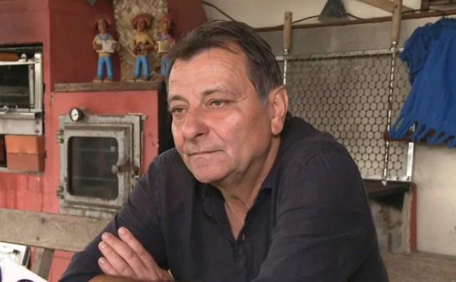 O italiano Cesare Battisti em Cananeia (SP), em imagem de outubro de 2017 — Foto: G1