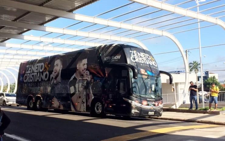 Dupla Zé Neto e Cristiano embarcaria em voo para Cuiabá às 8h (Foto: Graciela Andrade/TV TEM)
