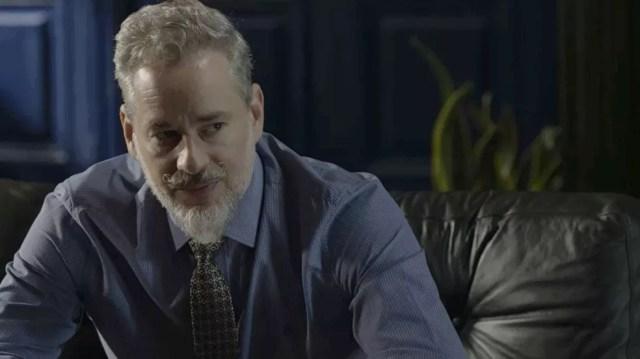 Eurico (Dan Stulbach) trai a irmandade e revela todos os segredos para Valentina (Lilia Cabral) em 'O Sétimo Guardião' — Foto: TV Globo