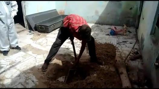 Homem chamou a polícia e desenterrou o corpo da vítima (Foto: Divulgação / Polícia Civil)