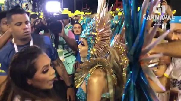 Lexa estreia como rainha de bateria da Tijuca e diz que fantasia