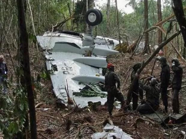 Avião da Gol caiu em mata fechada após colidir no ar com jato Legacy (Foto: Corpo de Bombeiros/ Sinop-MT)