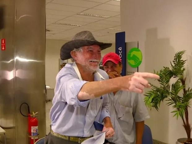 Pedro Eduardo comemora ao saber sobre recurso em conta inativa (Foto: Reprodução / EPTV)