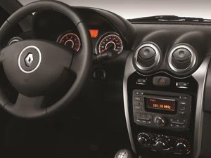 Renault Logan interior antigo (Foto: Divulgação)