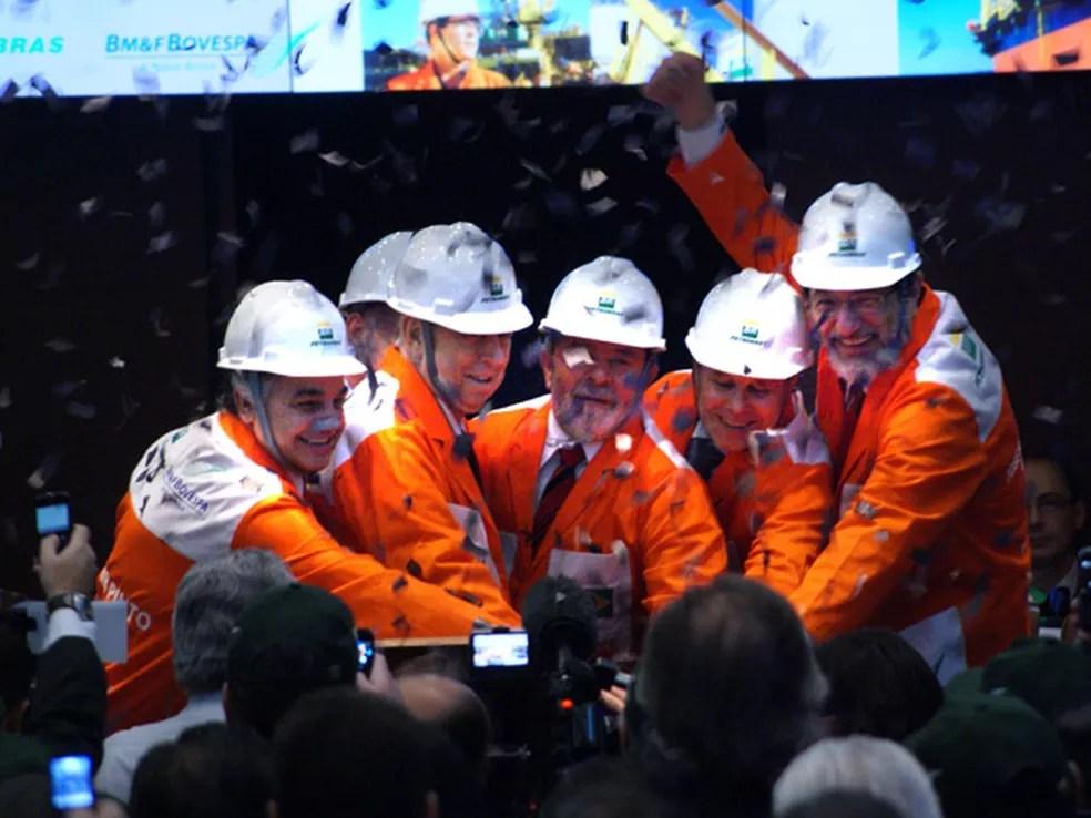 Cerimônia de capitalização da Petrobras em 2010, na BM&FBovespa; empresa captou R$ 120 bilhões e operação foi considerada a maior do mundo na época (Foto: VANESSA CARVALHO/NEWS FREE/AE)