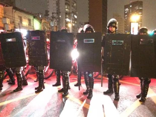 PMs em ato na região do Largo da Batata, em São Paulo (Foto: Glauco Araújo/G1)