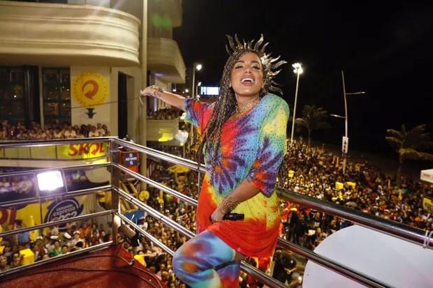 Anitta em trio elétrico na Bahia (Foto: Felipe Panfili/Divulgação)