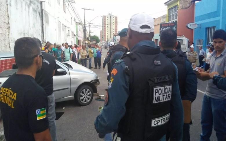 Acidente ocorreu no início da tarde desta sexta-feira (16) Centro de Aracaju (SE). (Foto: Ana Fontes/TV Sergipe)