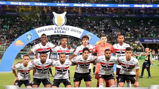 Time posado do São Paulo contra o Palmeiras