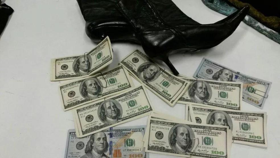 Dentro da bota havia US$ 10 mil  (Foto: Bazar do Bem/Divulgação)