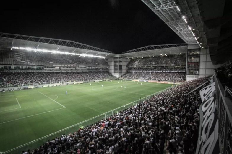 Campanha do Atlético-MG no ano pesou no valor dos ingressos praticados pelo clube, segundo Fabel — Foto: Pedro Souza