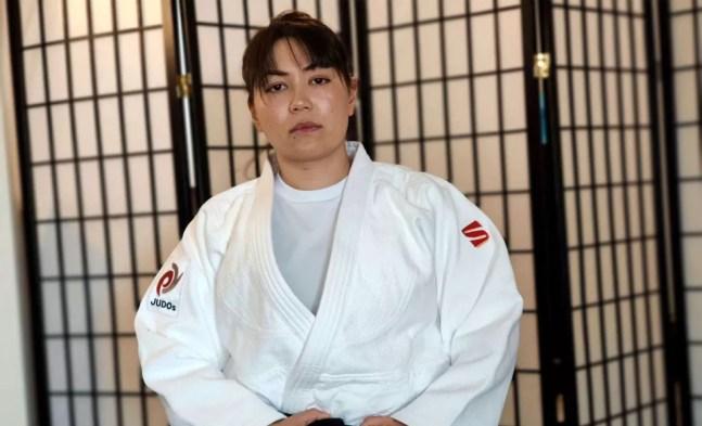 Friba Rezayee foi a primeira mulher a defender o Afeganistão nas Olimpíadas, no judô — Foto: Reprodução / IJF