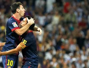 Messi e Xavi, Real Madrid x Barcelona (Foto: Agência AP)