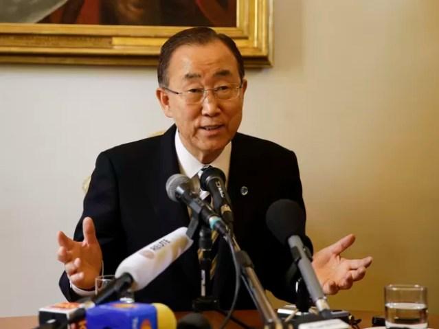 Ban Ki-moon fala a jornalistas no Vaticano sobre a agenda ambiental da ONU para este ano (Foto: Andrew Medichini/AP)