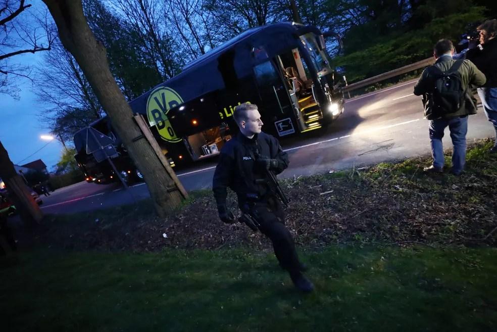 Jornal afirma que recebeu nova ameaça após ataque ao ônibus do Dortmund (Foto: Agência Reuters)