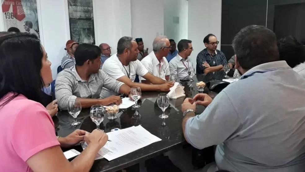 Reunião no Porto de Cabedelo teve início na manhã desta sexta-feira (25) (Foto: Gilmara Timoteo/Arquivo Pessoal )