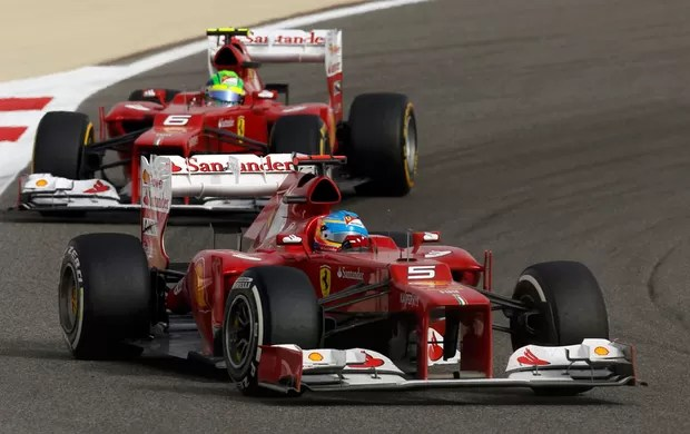 Alonso e Massa GP de Bahrein (Foto: Reuters)