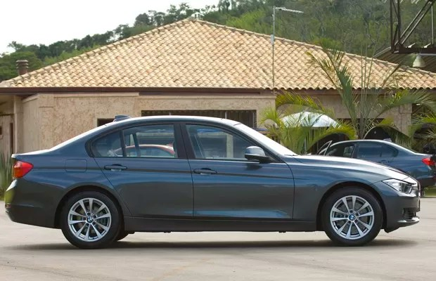 Lançado em 1975, BMW Série 3 chega à sexta geração (Foto: Miguel Costa Jr./Divulgação)