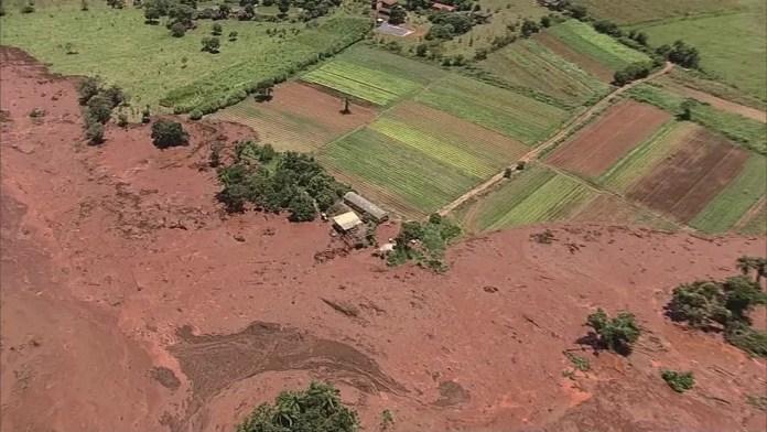 Barragem se rompe em Brumadinho, na grande Belo Horizonte — Foto: Reprodução/TV Globo