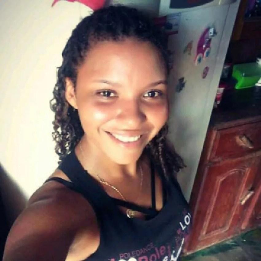 Testemunhas afirmaram que Iriscleia Silva de Queiroz foi morta pelo companheiro — Foto: Reprodução/Facebook