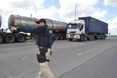 PRF intensifica fiscalizações durante a operação São João em Pernambuco — Foto: PRF/Divulgação