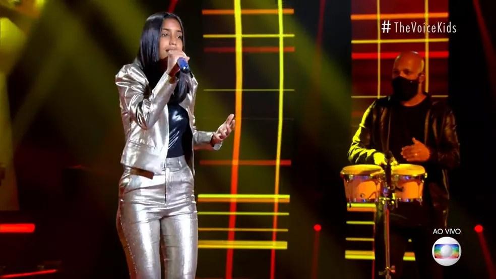 Ruany Keveny se apresentou com 'Regime Fechado' no palco do 'The Voice Brasil'. — Foto: Reprodução/ Globoplay