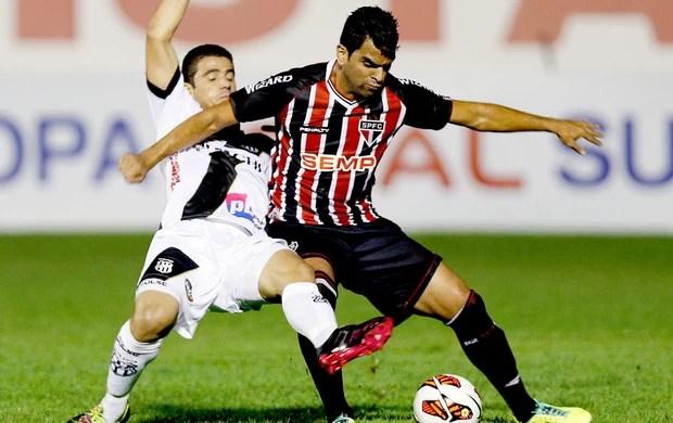 Maicon jogo São Paulo e Ponte Preta Sul-Americana (Foto: Reuters)