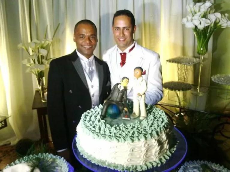 Anderson Pereira e Roberto Soares durante a festa do casamento realizado em BH (Foto: Divulgação)