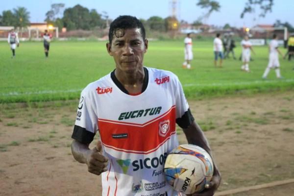 Goleiro Ferreira comemorou o seu jogo número 50, pelo Guajará (Foto: Júnior Freitas)