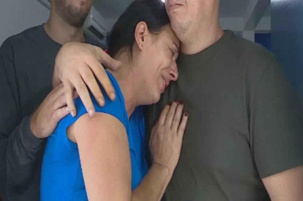 Mãe de Dionatan soube da morte do filho por uma colega de trabalho dele — Foto: Reprodução/RBS TV