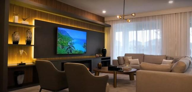 Sala de estar — Foto: Reprodução / YouTube