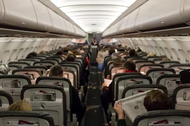 Assentos em avião comercial — Foto: Frank Duenzl/Picture-Alliance/AFP/Arquivo