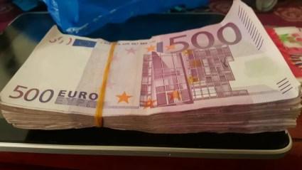 Bola de notas de 500 euros — Foto: Reprodução