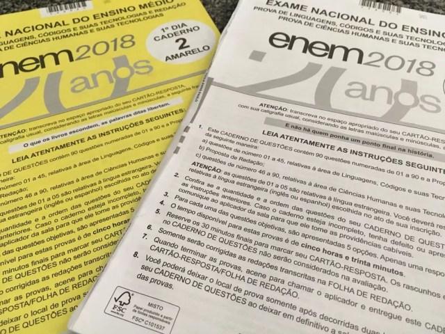 Cadernos de prova do Enem 2018 — Foto: Ana Carolina Moreno/G1