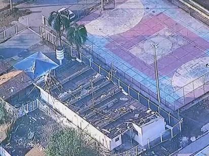 Escola destelhada na Vila Basevi, no DF, após chuva (Foto: TV Globo/Reprodução)