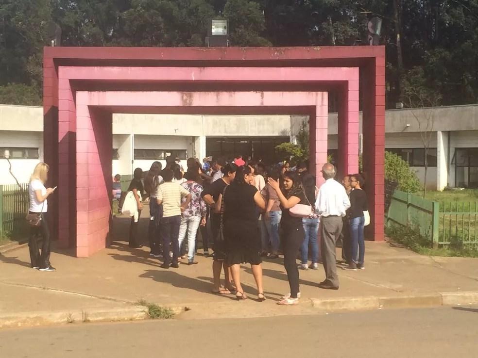 Enterro está previsto para ocorrer às 10h no Cemitério da Vila Formosa, também na Zona Leste. — Foto: TV Globo/ Zelda Mello