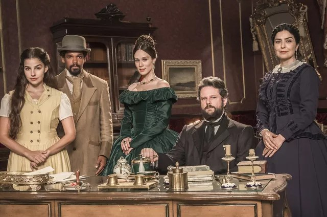 The protagonists of 'In the Emperor's Times' (Photo: João Miguel Junior/Globo)