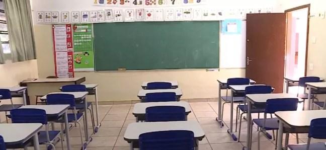 Prefeito de Natal prorroga suspensão das aulas na rede pública até 30 de outubro — Foto: TV Globo